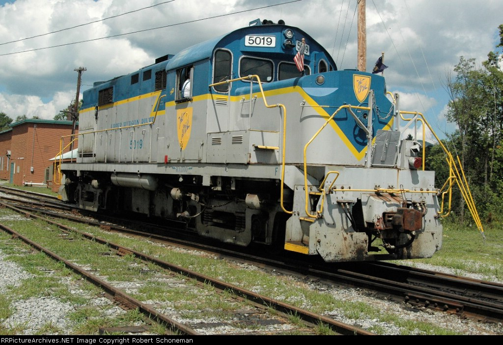 UHRR RS36 ex D&H at North Creek, NY