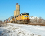A northbound Z train passes Bunge grain on a cold and frosty February morning.