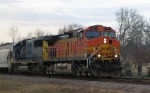 BNSF 4891 leads a CSX train towards the yard