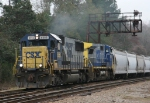CSX 8562 leads train Q494 northbound past the old signals