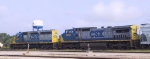 CSX 8425 & 7698 lead a train southbound