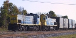 CSX 1184 & 1182 switch a cut of cars near downtown