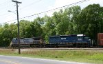CSX 7878 & HLCX 6253 head towards Bennett Yard