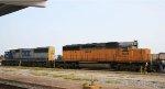 CSX 8586 & HLCX 6251 bring a train into the yard