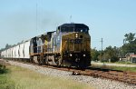 CSX 7802 leads train Q490 northbound
