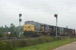 CSX 696 leads train Q491 southbound