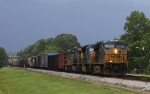 CSX 5267 leads train Q491 southbound ahead of a thunderstorm