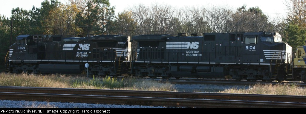 NS 9869 & 9104 sit on the loco tracks in the yard