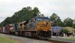 CSX 723 leads train Q438 northbound