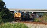 CSX 4774 leads train Q400-29 northbound