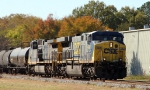 CSX 642 leads train Q438 northbound