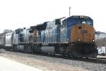 CSX 4800 leads train Q410 northbound