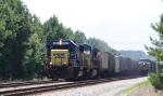 CSX 8631 leads train G865 past train Q438