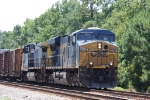 CSX 5415 leads train Q438 northbound