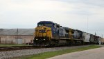 CSX 7847 & 7767 lead a train southbound