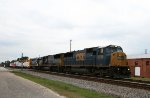 CSX 8746 leads a northbound freight