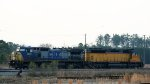 CSX 7891 & CEFX 2798 sit in the ready field
