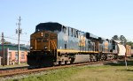 CSX 5208 leads train Q471 southbound