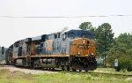 CSX 5323 leads train Q470 northbound