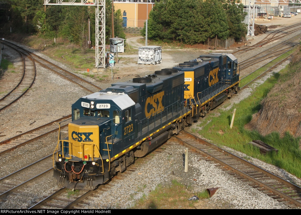 CSX 2723 & 2749 lead train X091 at Boylan