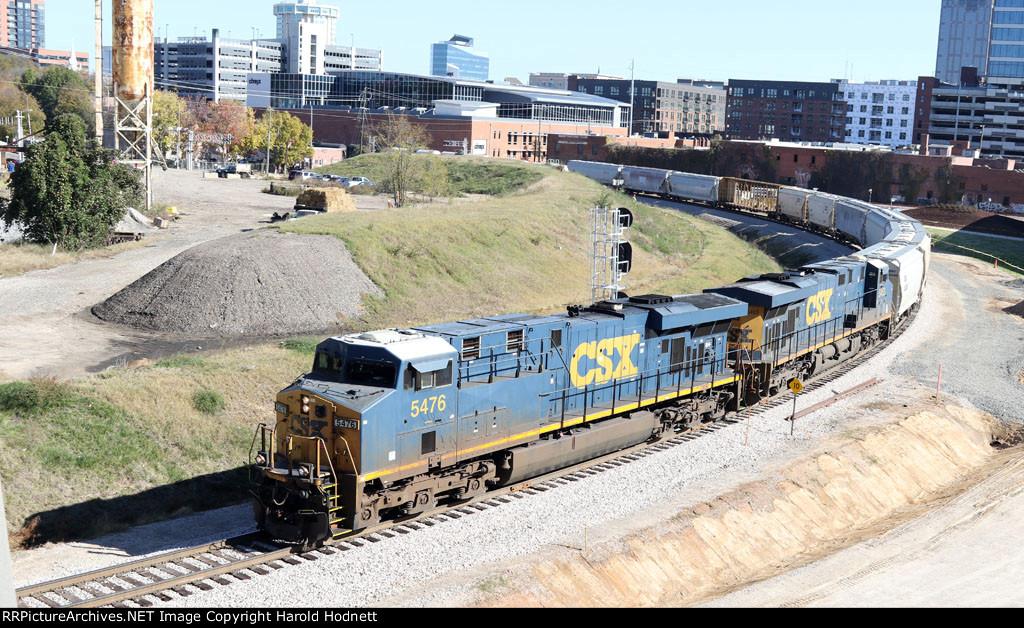 CSX 5476 & 5453 lead train F741-16 southbound