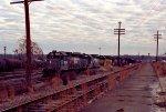 CSX 2624 leads a train into the yard
