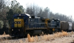 CSX 7641 leads train F742 northbound