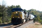 CSX 493 leads train F742 northbound