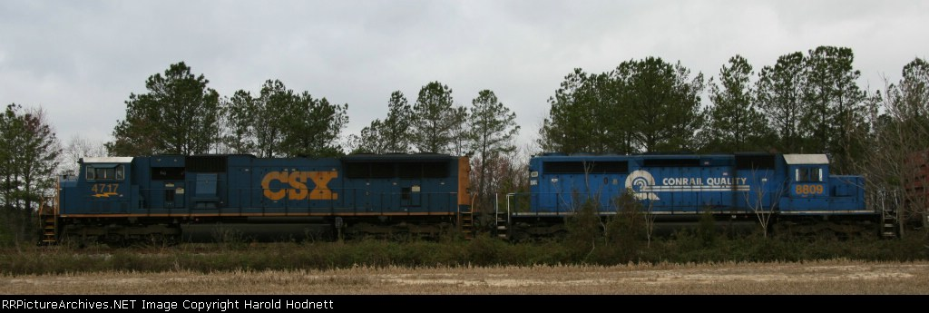 CSX 4717 & 8809 lead Q409 southbound out of Collier Yard
