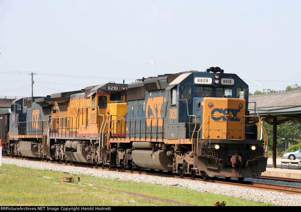 CSX 8828 leads a train northbound