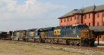 CSX 833 leads train F774-16 northbound