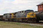CSX 485 leads train F774 northbound