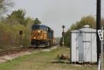 CSX 5301 leads train a long train Q401 southbound