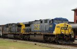 CSX 608 leads train Q406-27 northbound