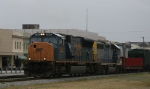 CSX 4805 leads train Q415 towards the yard