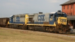 CSX 5847 & 6154 are power on northbound train F017