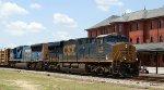 CSX 943 leads train Q406-15 northbound