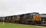 CSX 998 leads train Q400 northbound