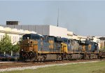 CSX 5463 leads train Q405 southbound