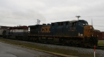 CSX 5120 leads a leaser northbound on train Q406