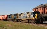 CSX 7500 & 8567 lead train F774-21 northbound