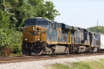 CSX 5236 leads train Q401 towards a meet with northbound train G855