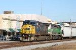 CSX 7366 & GCFX 3065 lead a train southbound