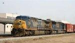 CSX 300 & 784 lead train Q405 southbound