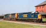 CSX 4739 & 8121 head southbound