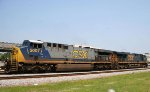 CSX 5007 heads northbound