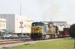 CSX 7765 leads train Q415 southbound