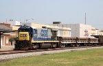 CSX 5877 leads train F017 southbound