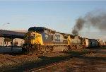 CSX 7829 leads train G992 southbound