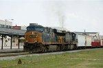 CSX 5230 & 5013 leads train Q415 southbound